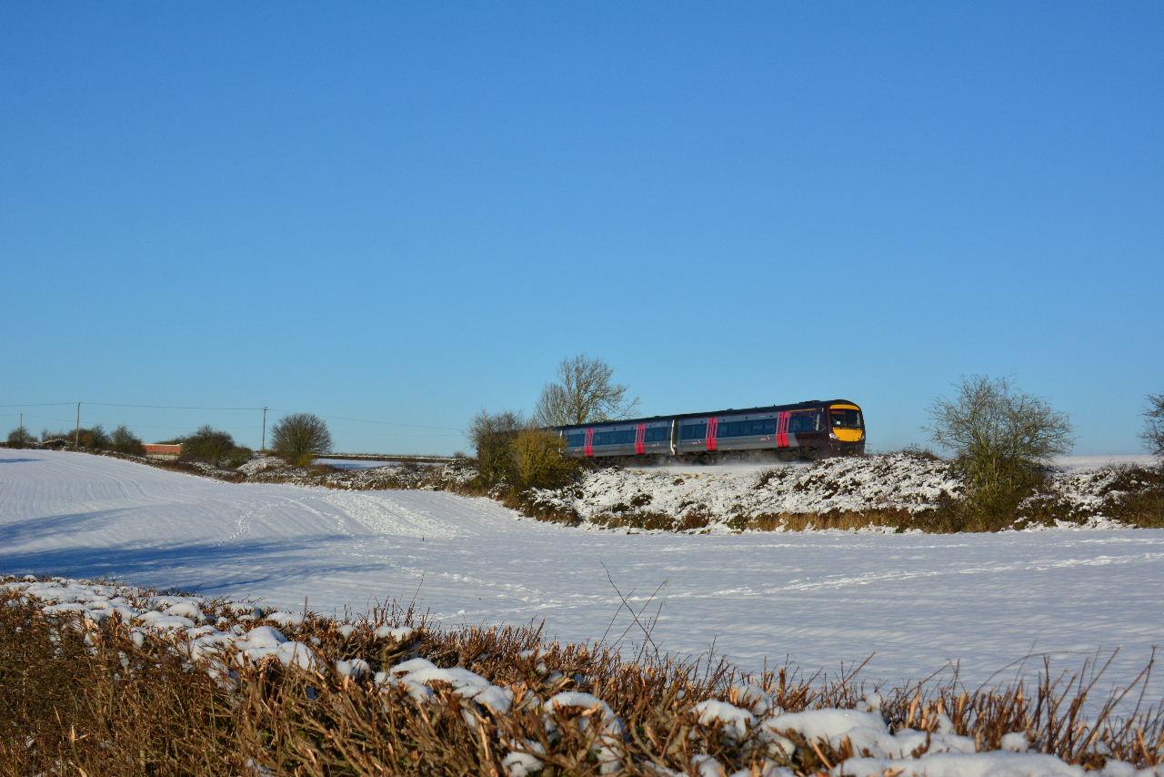 Train 170101 Abbotswood Jn snowscene 1M64-1145-Cardiff-Central-to-Nottingham-111217-S-Widdowson.jpg